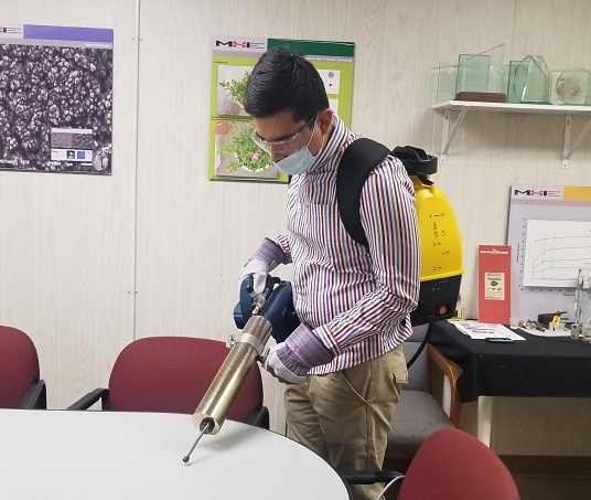 Cleaning tables with SaniZap1